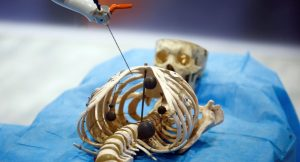 ربات جراح دستاوردی از هوش مصنوعی